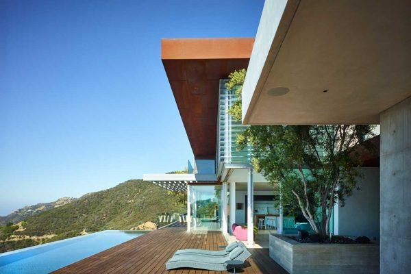 Malibu-Installation-Europian-Oak-Flooring